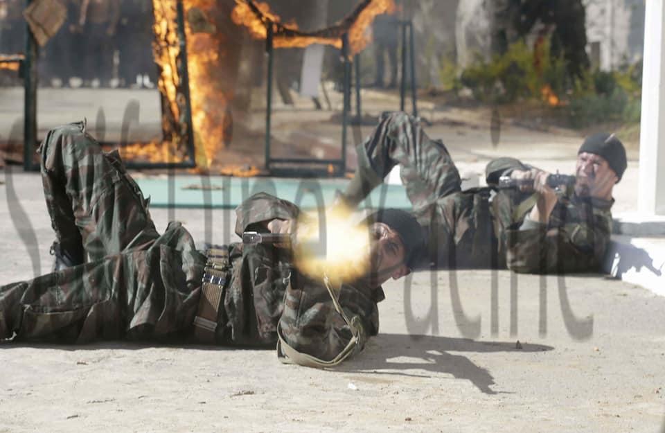 موسوعة الصور الرائعة للقوات الخاصة الجزائرية - صفحة 64 41776718775_2ae9fdf94e_o