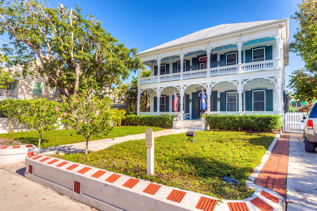 724 eaton street key west historic home available fo. Black Bedroom Furniture Sets. Home Design Ideas