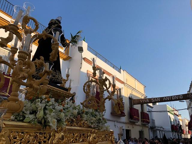 AionSur 42076197494_a30852f476_z_d San Antonio sale arropado por su pueblo que lo siente como patrón Arahal Semana Santa