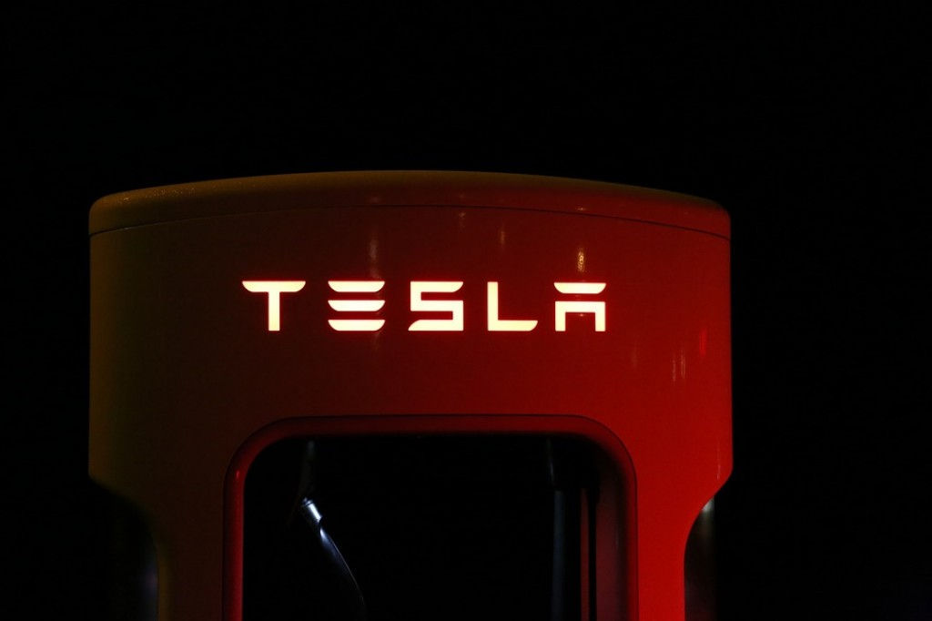 Tesla-Full-Self-Driving-Features