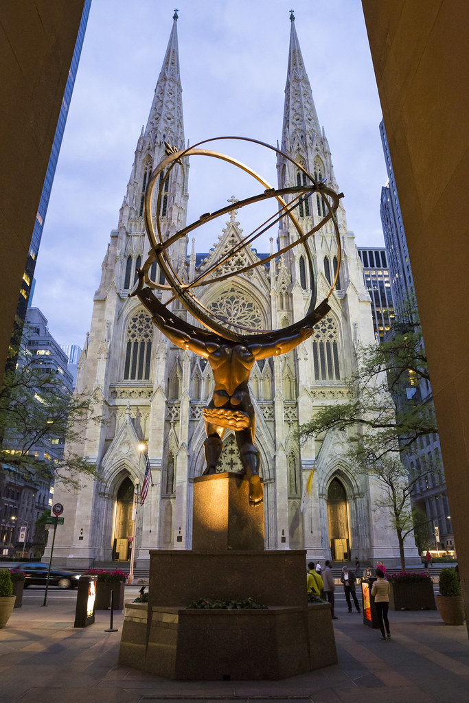 Atlas in front of St. Patrick's Cathedram