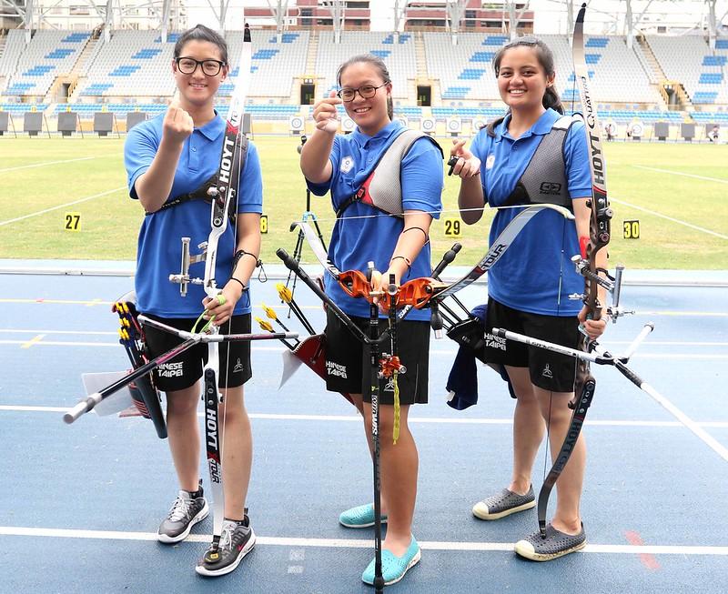 中華女子反曲弓隊蘇思蘋(左起)、葉昱琛和高佳萍。(中華民國射箭協會/提供。)