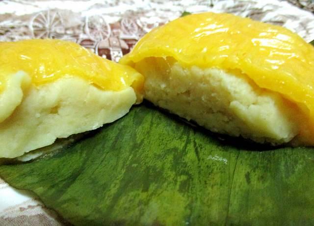 Ang koo kueh, yellow