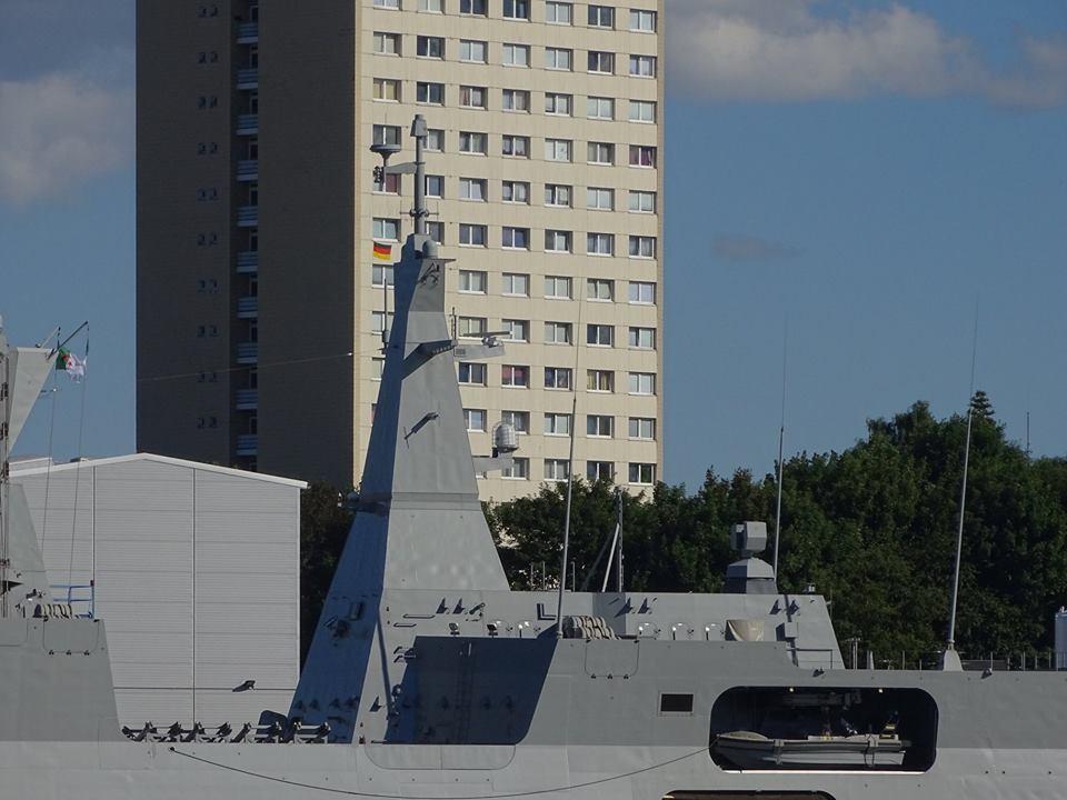 صور الفرقاطات الجديدة  Meko A200 الجزائرية ( 910 ,  ... ) - صفحة 34 42538255824_6ac7e0aca5_o