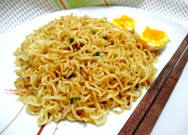 Marmite mee with egg 2