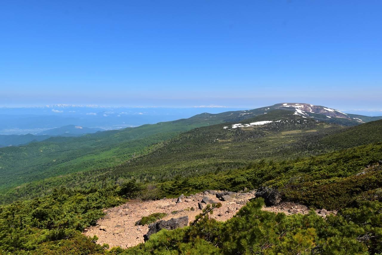 南屏風岳山頂からの展望