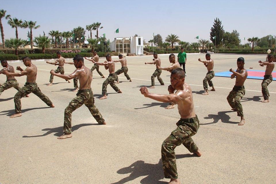 موسوعة الصور الرائعة للقوات الخاصة الجزائرية - صفحة 64 41930720935_411fc33e49_o