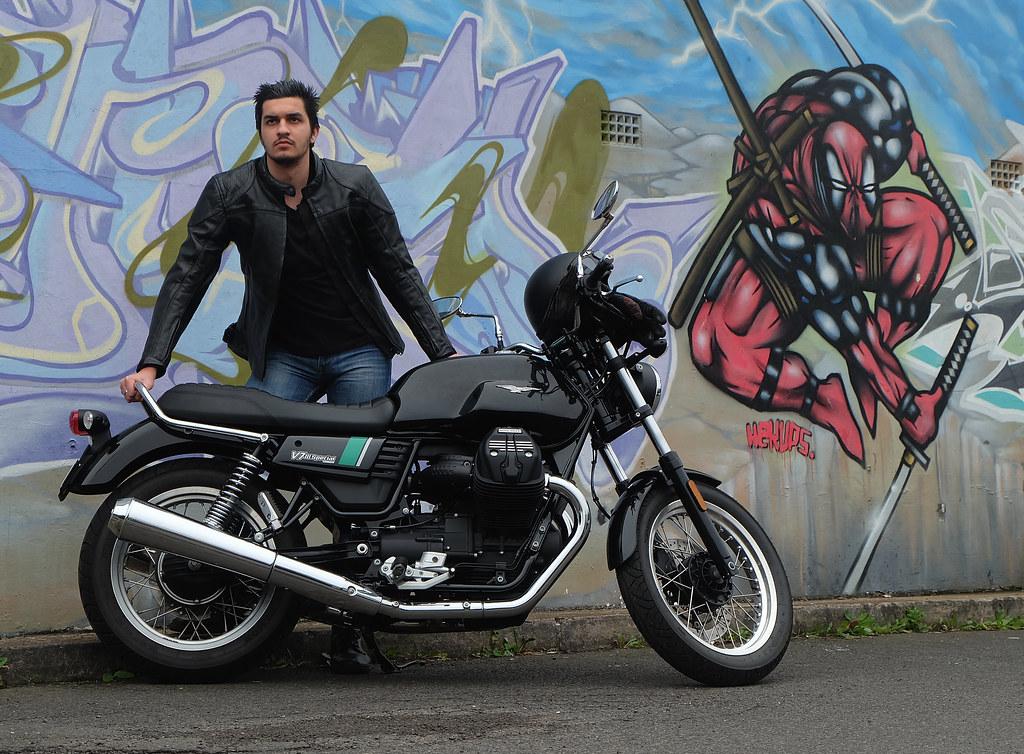 Moto Guzzi V7III Special has extra chrome and a second instrument dial (RE)
