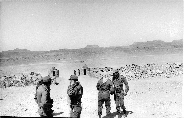 Le conflit armé du sahara marocain - Page 10 42676344064_dd6b1a1e1b_o