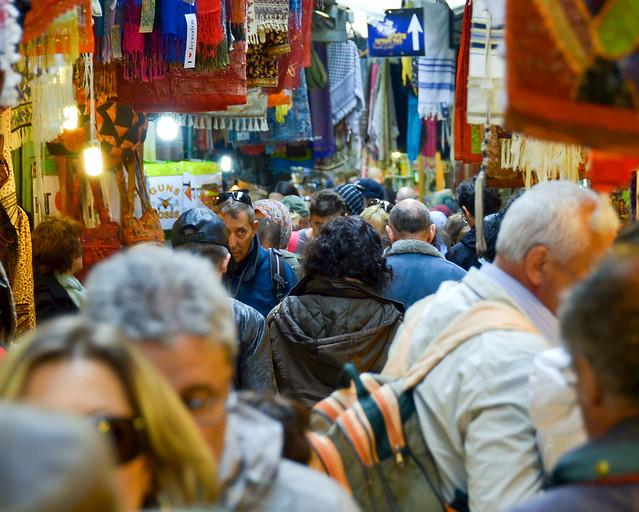Zocos de Jerusalén abarrotados de gente