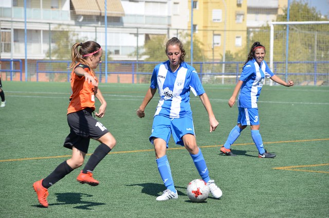 AionSur: Noticias de Sevilla, sus Comarcas y Andalucía 43750995262_7952cd92b5_z_d Mercedes e Inmaculada Portillo, preparadas para afrontar otra temporada en el CD Híspalis Deportes Fútbol