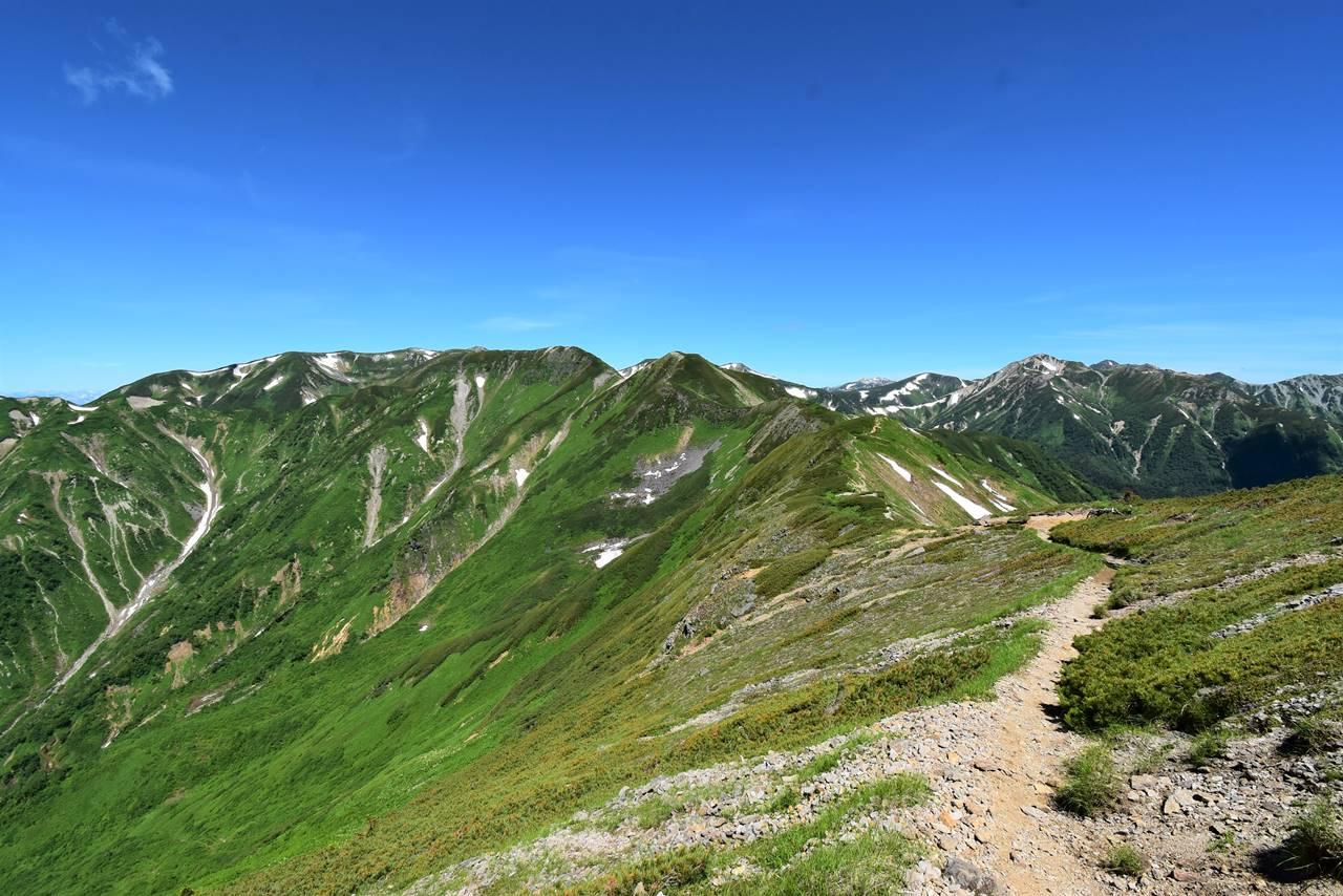 西鎌尾根の稜線トレイル