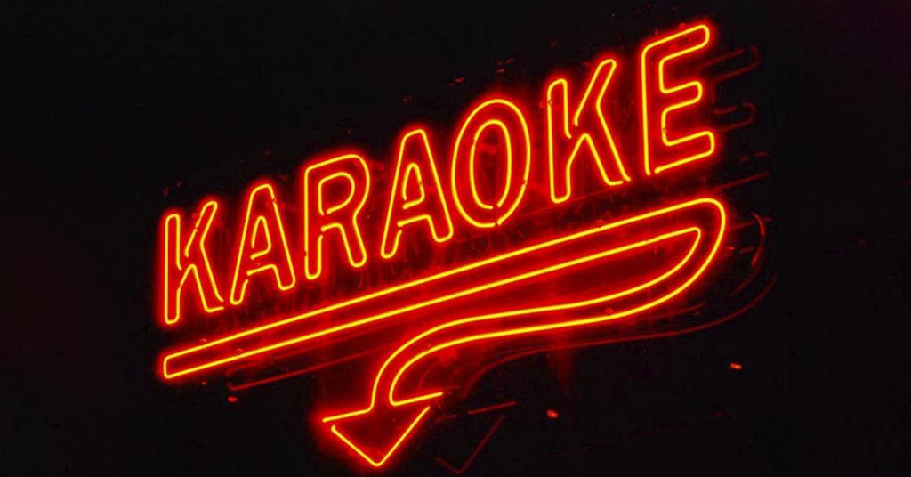 8 meses de prisión para un sexagenario que subía música de karaoke a Internet