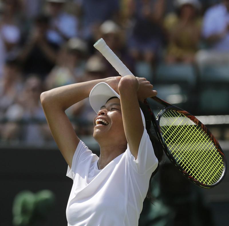 謝淑薇爆冷擊退球后Simona Halep,生涯首次在溫網女單晉級16強。(達志影像)