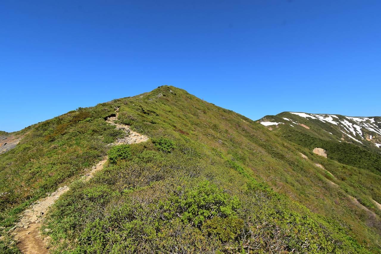 不忘山 展望豊かな登山道