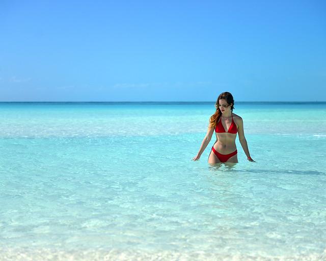 Julia caminando sobre las aguas