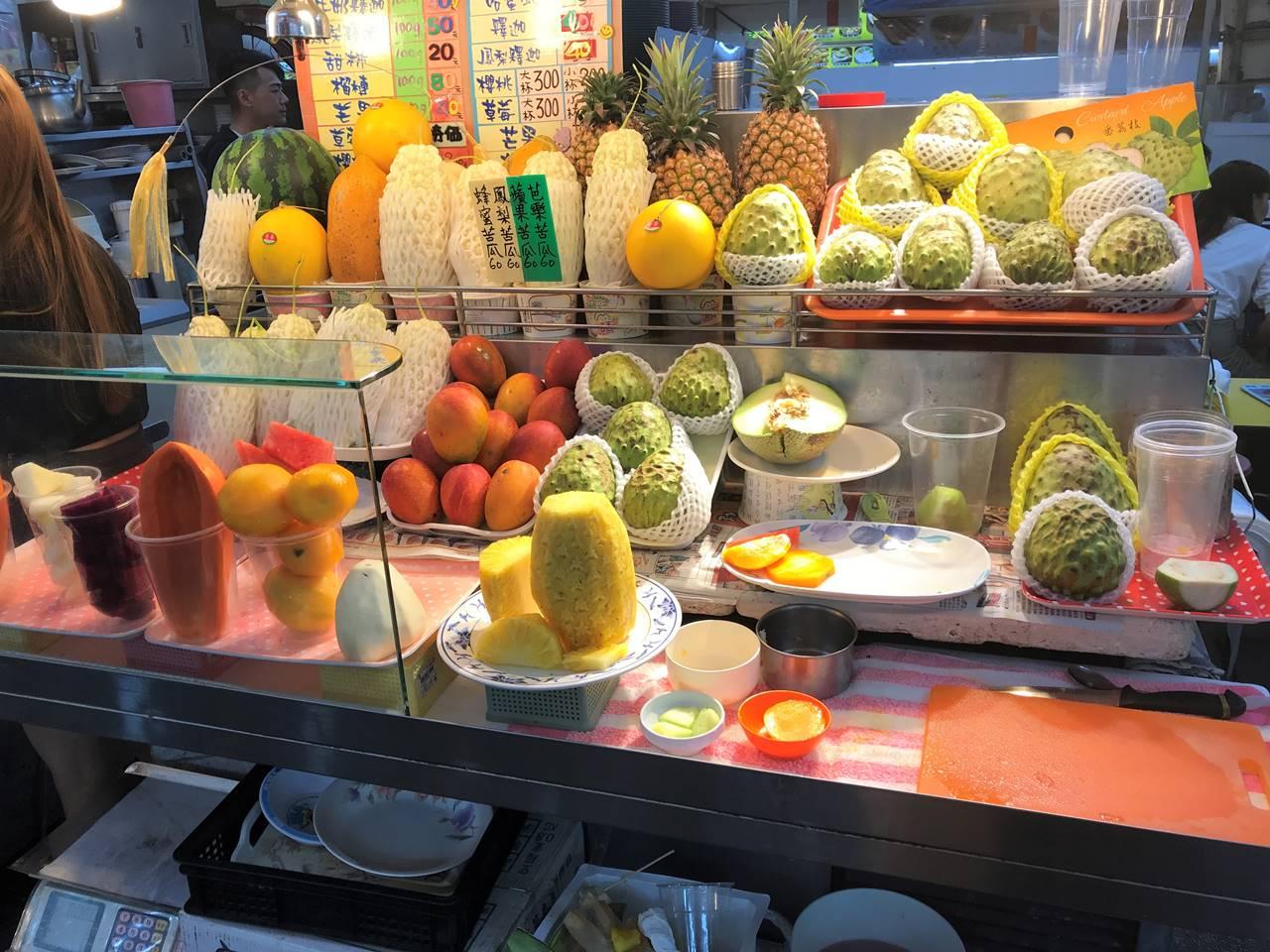 台湾・台北 士林夜市 フルーツ
