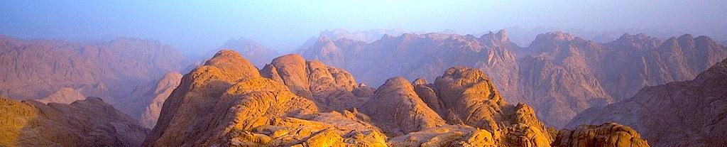 Рассвет на горе Синай.