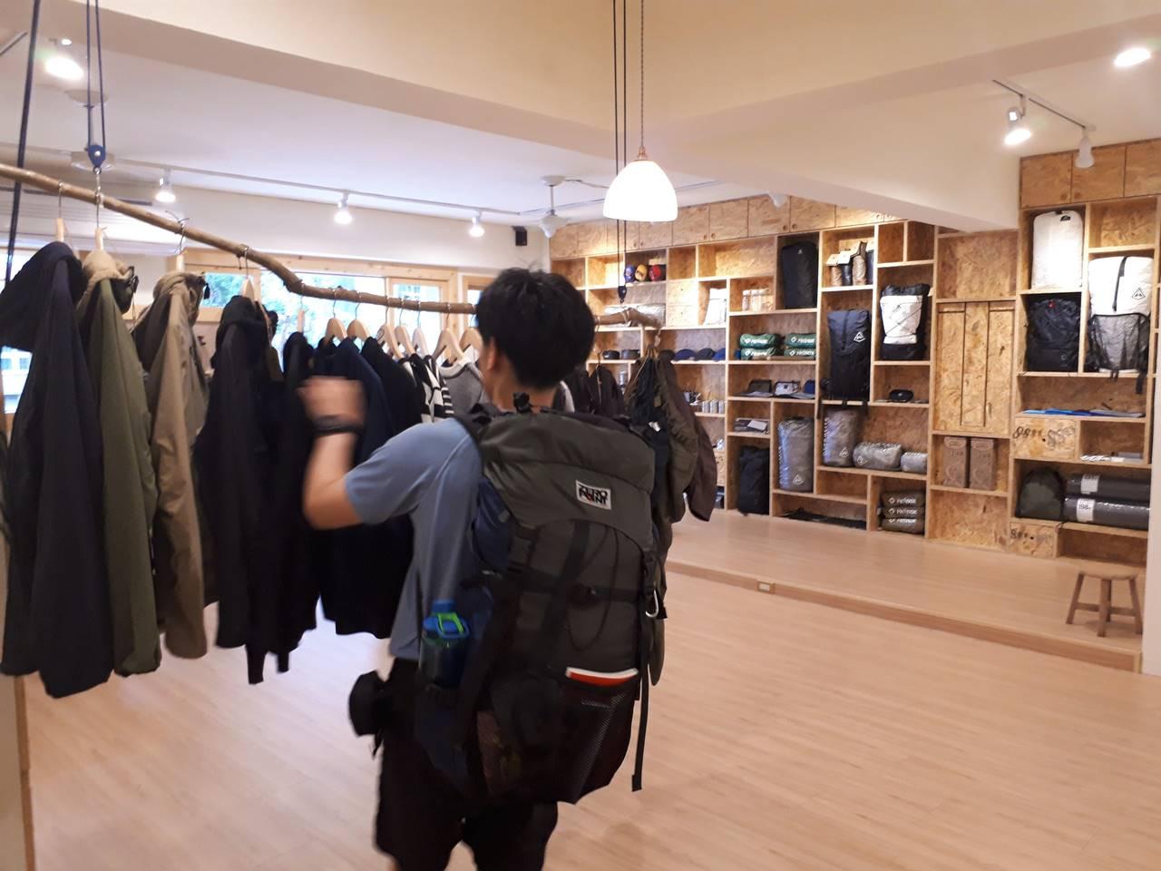台湾・台北 samplus店内