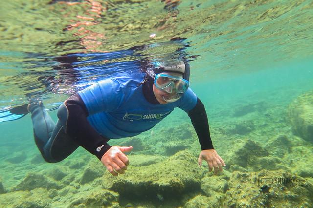 Sele haciendo snorkeling en la Playa de Las Canteras