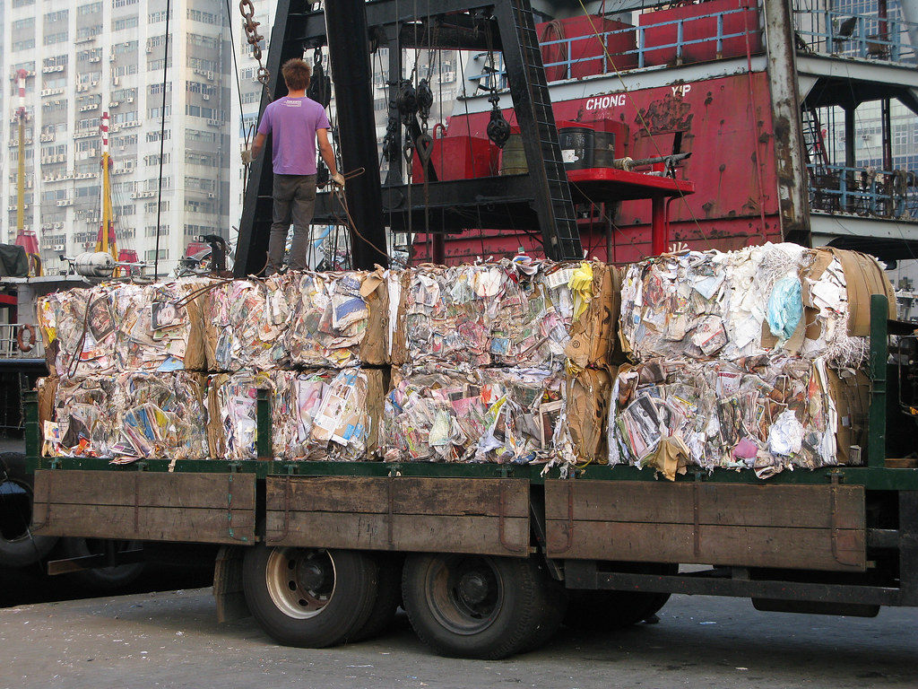 台灣等其他東南亞國家淪為歐美塑膠垃圾的新出口處。圖片來源:latitudes-flickr(CC BY-NC-ND 2.0)
