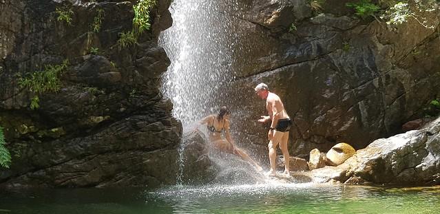 Baignade à la cascade de la Frassiccia : les Carle