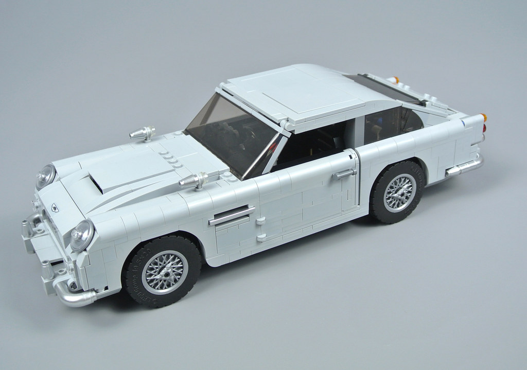 review 10262 james bond aston martin db5 brickset lego. Black Bedroom Furniture Sets. Home Design Ideas