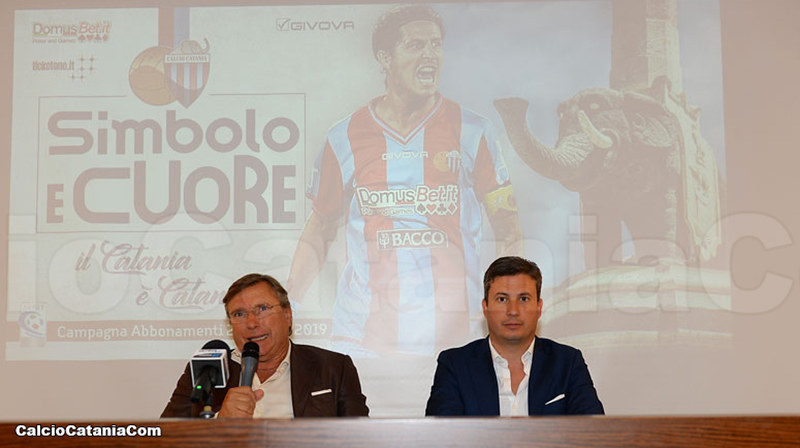Pietro Lo Monaco oggi in sala stampa insieme ad Antonio Carbone