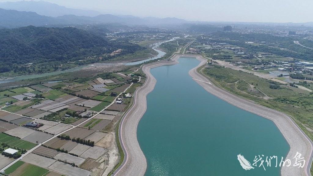 964-1-18s中庄調整池完工啟用,擔負起北台灣備用水源的重責大任,但這個救命的設計,卻也埋伏著隱憂。