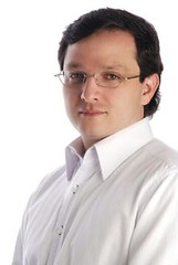 Ricardo Mora, CNK Consultores