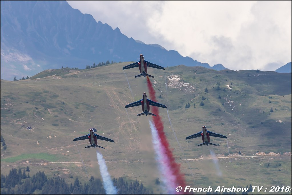 Patrouille de France Courchevel 2018 , Athos , Armée de l'Air , Alphajet , Coupe du Monde Saut à Ski – Courchevel 2018 , skijumping world cup courchevel , Courchevel - Le Praz , Show Aerien , Alpes , Canon EOS , Sigma France , contemporary lens , Meeting Aerien 2018
