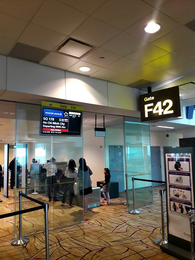 Review of Singapore Airlines flight from Singapore to Ho Chi Minh ...