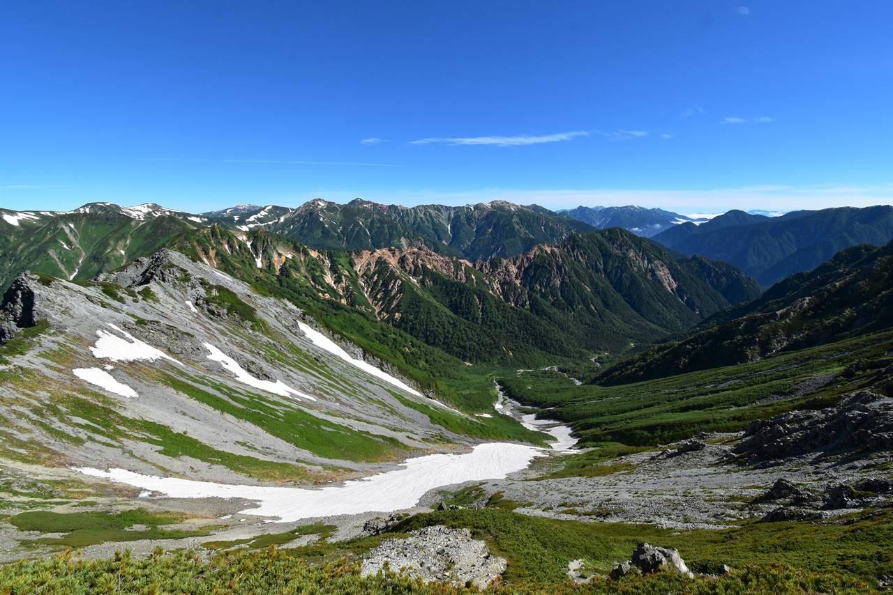 西鎌尾根から眺める立山~剱岳方面の展望