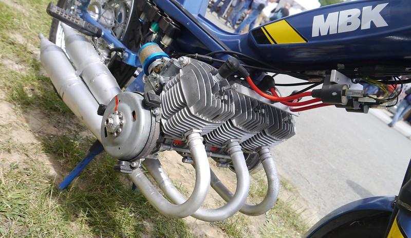 MBK 3 cylindres et courroie flottante 41203401030_480e329252_c