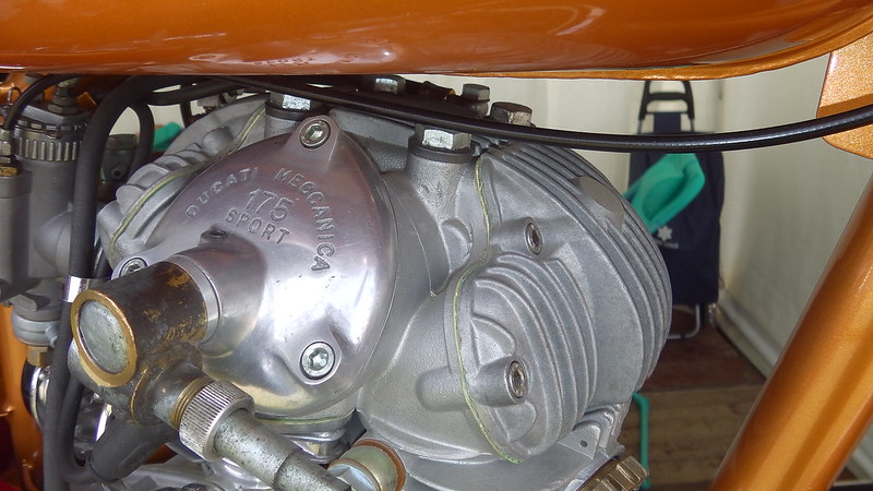 Ducati 175 Sport 1962 - Linas Montlhéry Juin 2018 41195020150_cb3d12060b_c