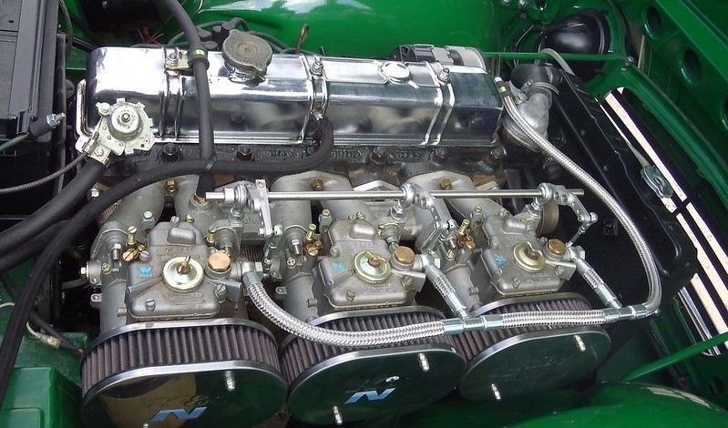 Triumph TR5 2500 PI / 1968  30159962978_6c7efaf5a4_c