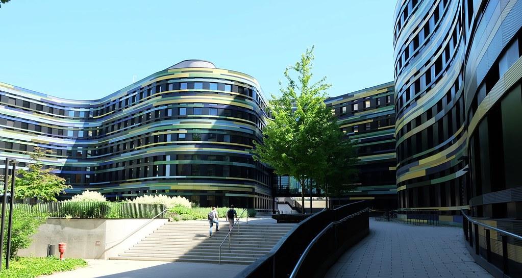 漢堡邦都市發展暨住宅署、環境與能源署行政大樓