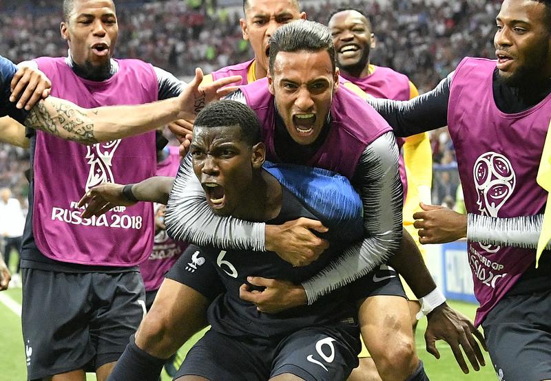 法國球員歡慶進球。(達志影像)