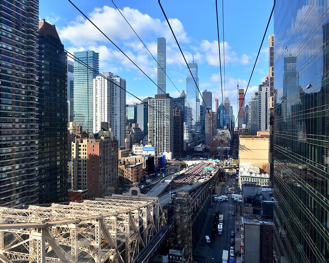 Vistas de los rascacielos desde el teleférico de Nueva York