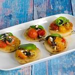 Kohlrabi-Canapés, gegrillt  mit Tomaten-Kompott