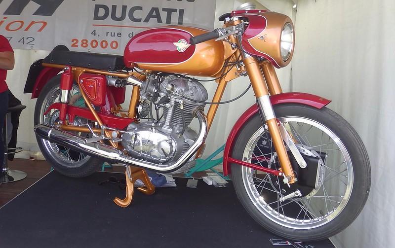 Ducati 175 Sport 1962 - Linas Montlhéry Juin 2018 43005437721_c52a0aaf6e_c