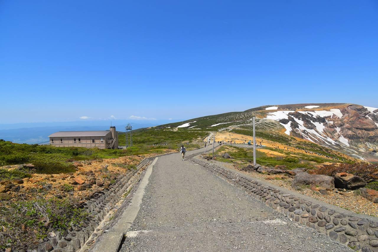 刈田岳山頂からレストハウスへ