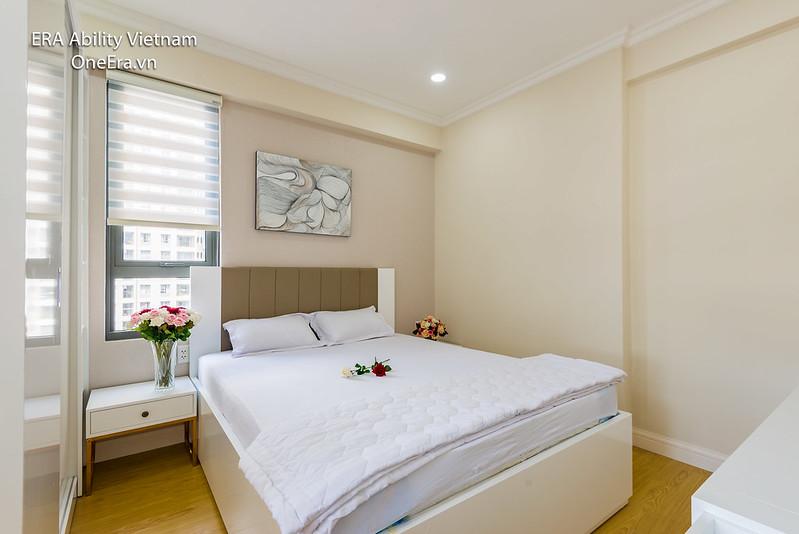 phòng ngủ căn góc Masteri Thảo Điền 2 mặt