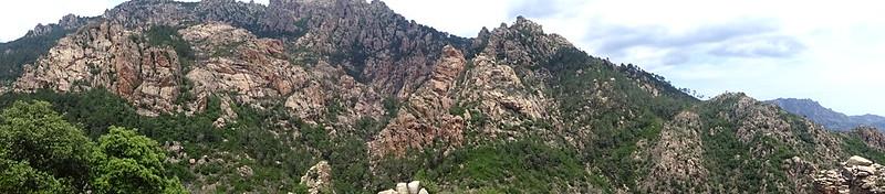 Panoramique des soubassements de Punta di Quercitedda depuis Posta di A Strada