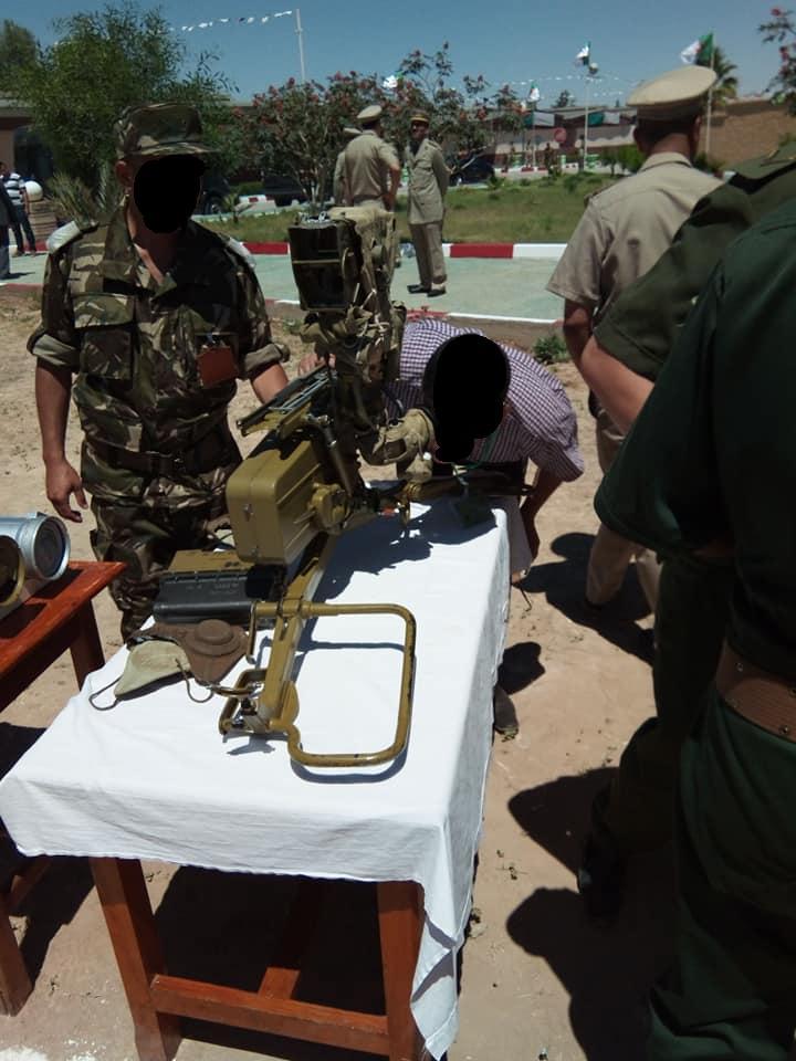 القوات البرية الجزائرية [  Missiles Anti-Chars ]   - صفحة 3 42198800745_5e11470f06_o