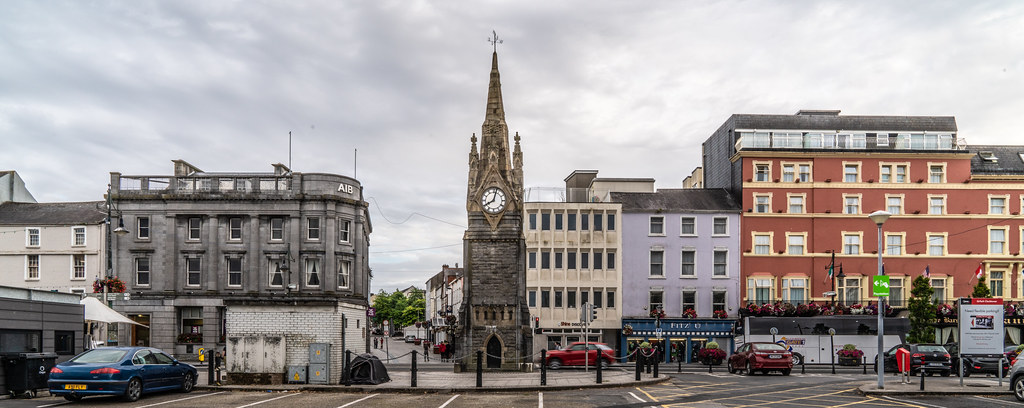 THE FOUNTAIN CLOCK ON WATERFORD QUAYS 005
