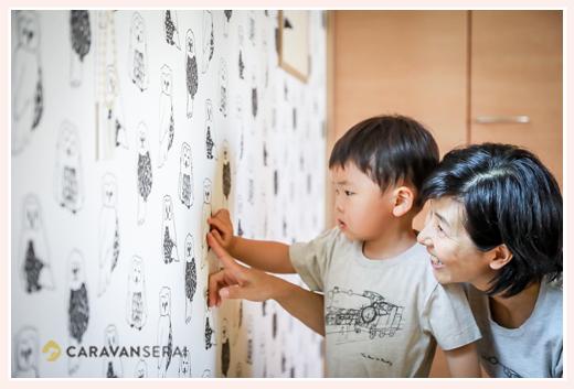 新築のご自宅で3歳のお誕生日写真❤出張撮影カメラマンが撮る家族写真(名古屋市守山区)