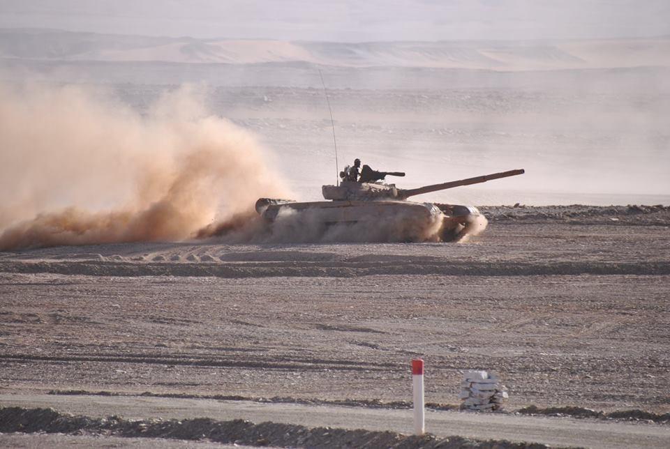 صور دبابات قتال رئيسية الجزائرية T-72M/M1/B/BK/AG/S ] Main Battle Tank Algerian ]   - صفحة 4 42121731585_b78a0d91a3_o