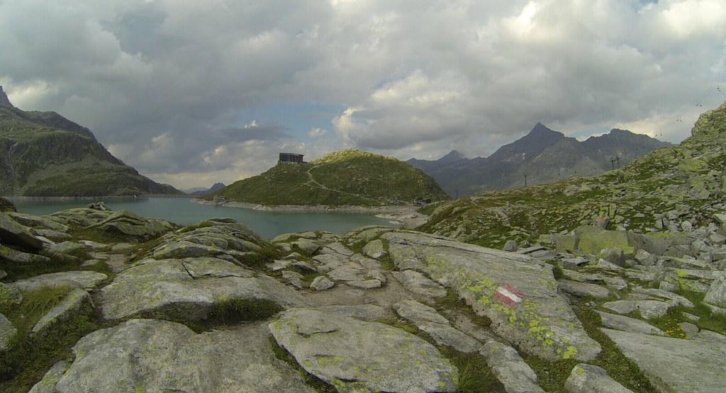 """The """"trail"""" for Rudolfshütte at 82K"""