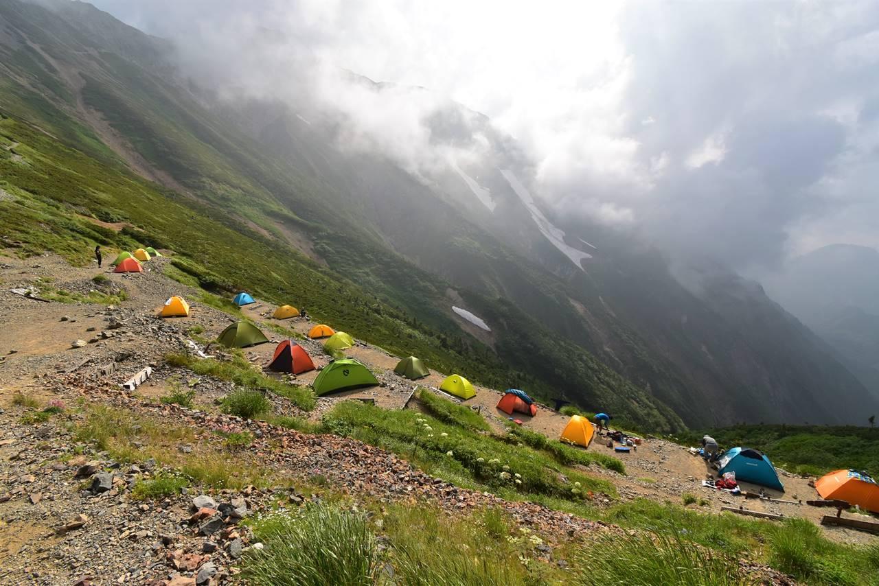 五竜山荘のテント場